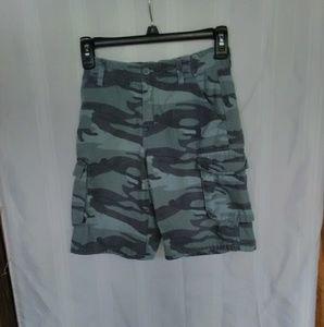Old Navy boys size 7 cargo shorts Velcro pockets